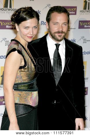 Maggie Gyllenhaal and Peter Sarsgaard at the 2005 Hollywood Film Festival Awards Gala Ceremony held at the Beverly Hilton Hotel in Beverly Hills, USA on October 24, 2005.