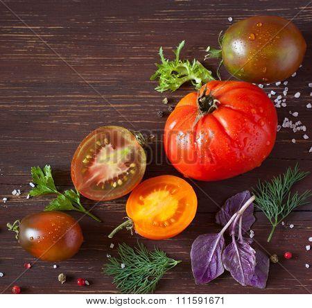 Frsh ripe tomatoes.