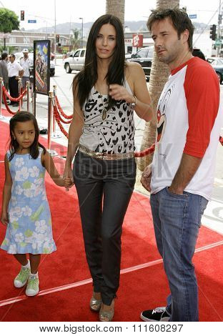 HOLLYWOOD, CALIFORNIA. July 30, 2006. Courteney Cox and David Arquette at the World Premiere of