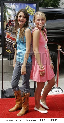 HOLLYWOOD, CALIFORNIA. July 30, 2006. Victoria Justice and Jamie Lynn Spears at the World Premiere of