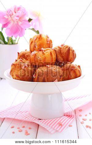 Eclair Cakes