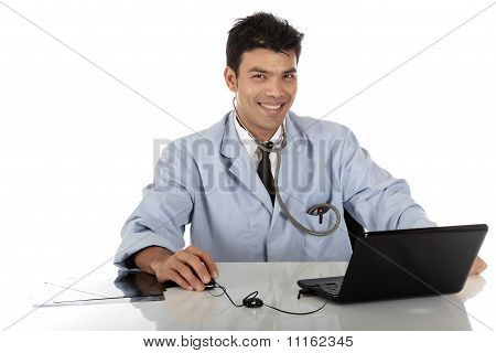 Jovem médico de macho bonito de Nepalese