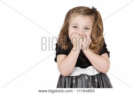 Mädchen hält Mund in der Schwebe