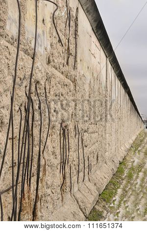 Remembering the Wall