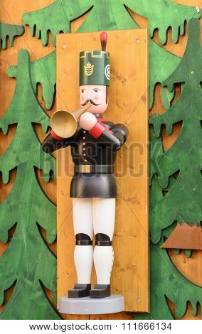 Bugler on the Wall