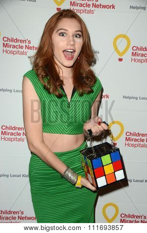 LOS ANGELES - DEC 12:  Serena Laurel at the Childrens Miracle Network Winter Wonderland Ball, at the Avalon Hollywood on December 12, 2015 in Los Angeles, CA