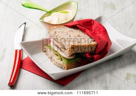 sandwich with turkey mayonnaise and avocado
