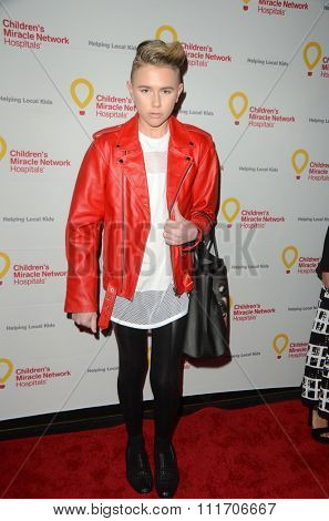 LOS ANGELES - DEC 12:  Matt Sarafa at the Childrens Miracle Network Winter Wonderland Ball, at the Avalon Hollywood on December 12, 2015 in Los Angeles, CA