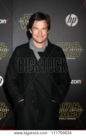 LOS ANGELES - DEC 14:  Jason Bateman at the Star Wars: The Force Awakens World Premiere at the Hollywood & Highland on December 14, 2015 in Los Angeles, CA