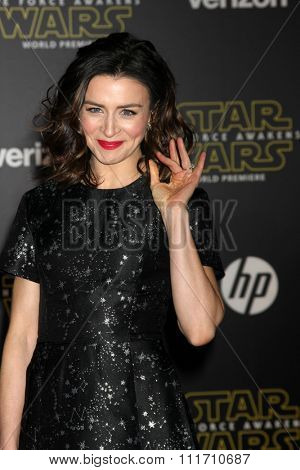 LOS ANGELES - DEC 14:  Caterina Scorsone at the Star Wars: The Force Awakens World Premiere at the Hollywood & Highland on December 14, 2015 in Los Angeles, CA