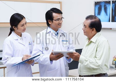 Talking to patient