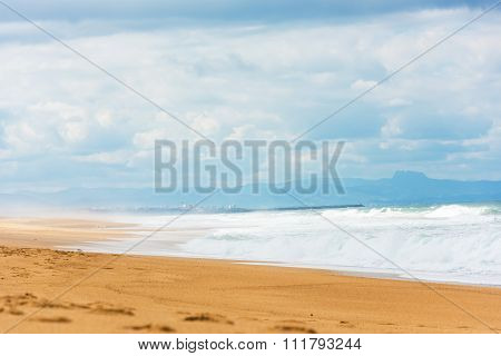 Long Sand Atlantic Beach With Ocean Waves