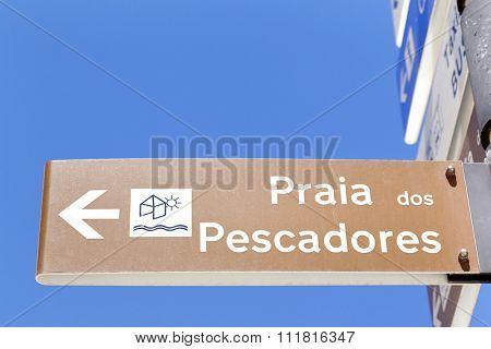 Direction street sign of the beach ( Praia dos Pescadores ) , Albufeira - Portugal