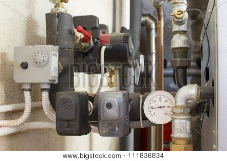 safety devices, thermostats and pressure transducer