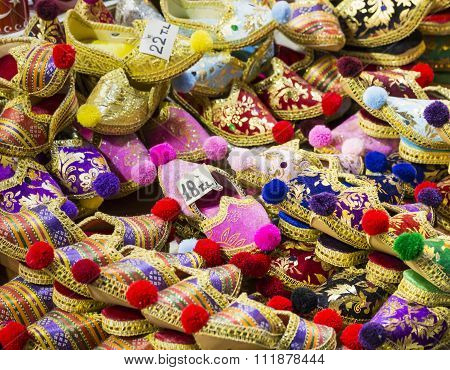 Eastern Bazaar - Handmade Shoes. Image Of Selling Point At Istanbul Market With Large Selection Of T