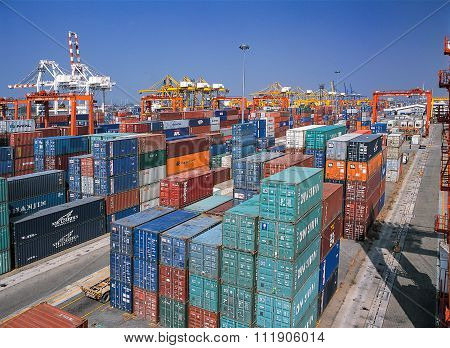 Containers in ports shipyard
