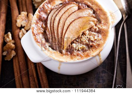 Baked oatmeal with spices and pears