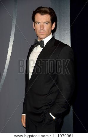 LOS ANGELES - DEC 15:  Pierce Brosnan Wax Figure at the Madame Tussauds Hollywood Reveals All Six James Bonds In Wax at the TCL Chinese Theater on December 15, 2015 in Los Angeles, CA