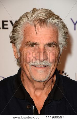 LOS ANGELES - DEC 14:  James Brolin at the An Evening with
