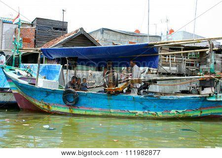 Urban slums of Jakarta, Central Java, Indonesia