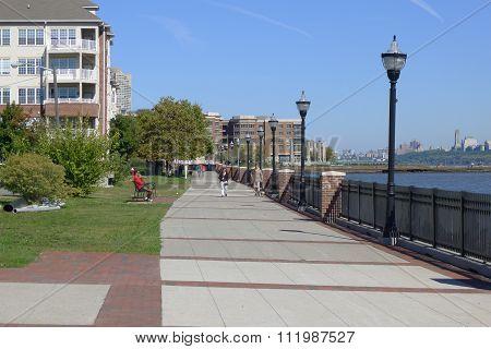 Hudson River Walkway at West New York