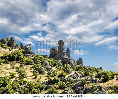 Bizarre Rock Formations On The Plateau Demerdzhi In Crimea .