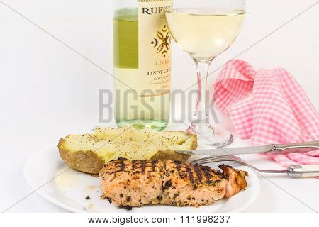 Grilled Salmon And Baked Potato