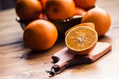 ������, ������: Fresh oranges Pressed orange manual method Oranges and sliced oranges with juice and