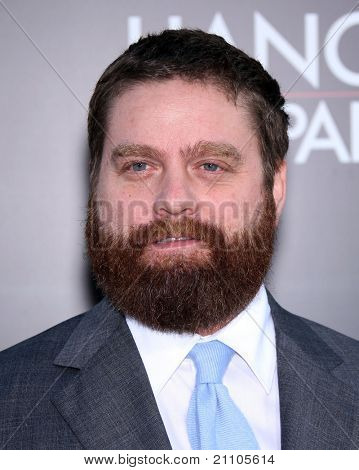 LOS ANGELES - JUN 19:  Zach Galifianakis arrives to the
