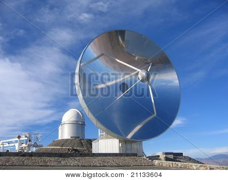 Swedish sub-millimeter telescope in the Atacama Desert