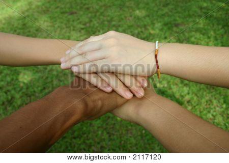 Mãos multiculturais (série)