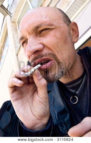 Typische strafrecht met sigaret