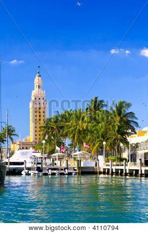 A torre da liberdade em Downtown Miami