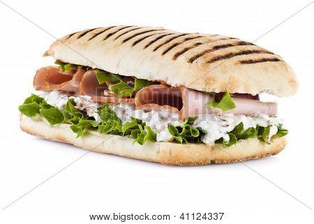 Sanduíche de legumes e presunto
