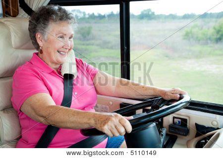 Senior Lady conducción Rv