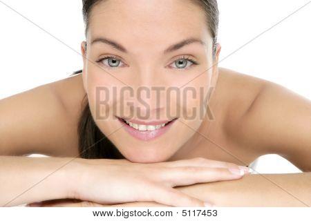Belleza del retrato de mujer hermosa limpio