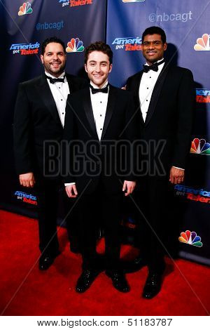 NEW YORK-SEP 18: Singers Forte at the post-show red carpet of