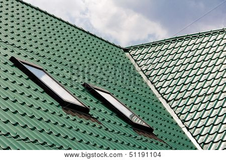 Green roofing from metal plate