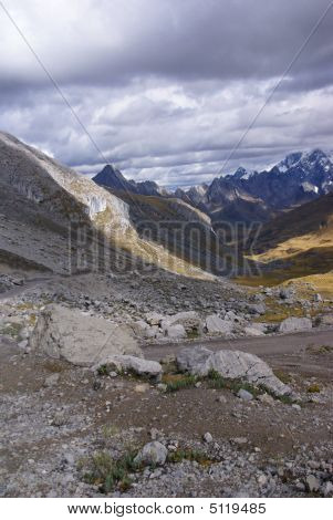Broad Glacial Valley With Erratic Granite Boulders