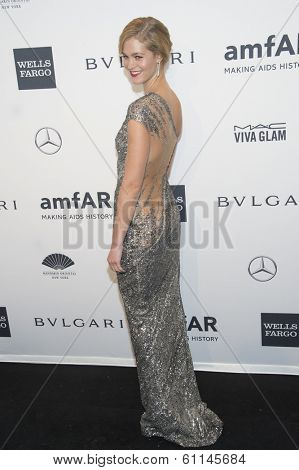 NEW YORK-FEB 5: Model Erin Heatherton attends the 2014 amfAR New York Gala at Cipriani Wall Street on February 5, 2014 in New York City.