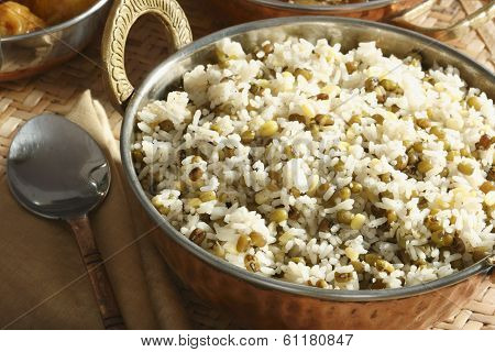 Oshi Joor-rawtee - An Afghani Dish Made From Rice & Mung Beans