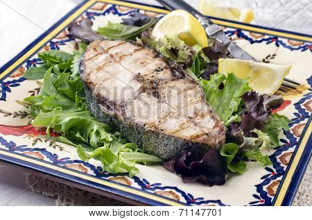 bonito steak gegrillt