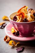 foto of crisps  - Assorted vegetable crisps in a bowl - JPG