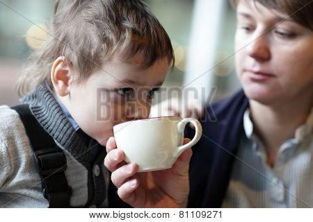 Kid Has Tea