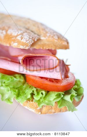 sandwich of ham lettuce and tomato