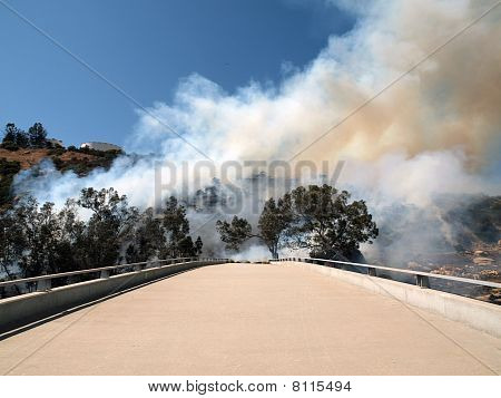 Chatsworth - Brush Fire On 118 Fwy