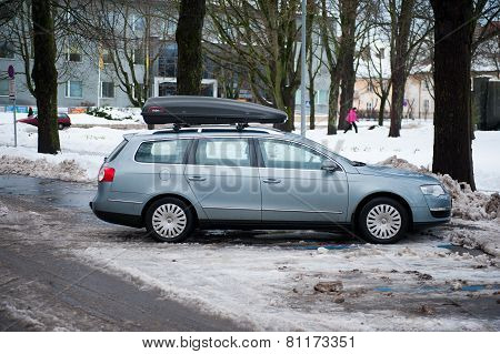 VW Passat b6 with roof box