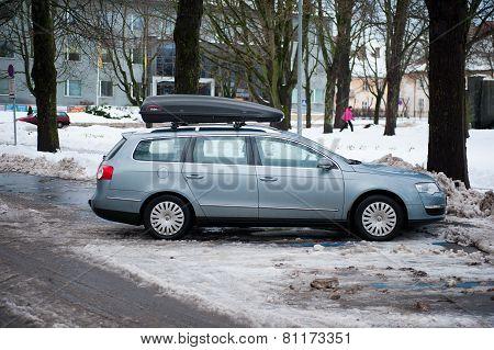 VW Passat b6 with roof box