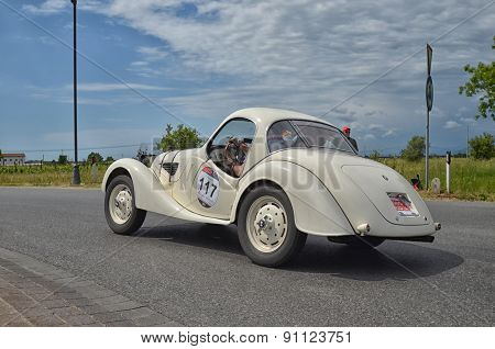 Vintage Car Racing The Mille Miglia Race