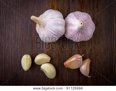 Composition with garlic and garlic cloves